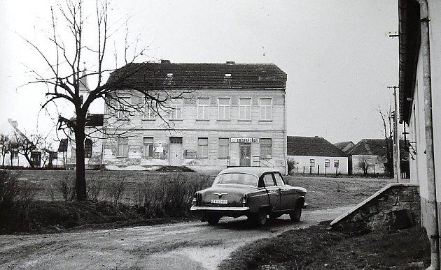 Hodětínská škola sloužila po zavření i jako obchod se smíšeným zbožím