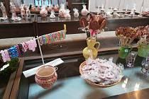 Ve výstavní síni u jistebnického kostela zakoupíte výrobky s jarní a velikonoční tématikou.