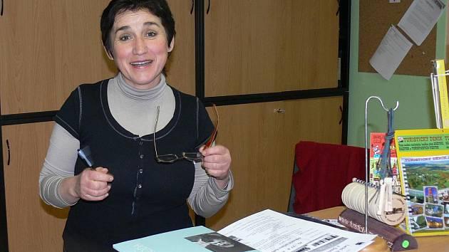 Už léta pracuje Marie Hadravová v infocentru.