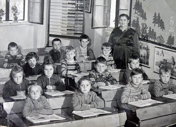 První třída sučitelkou Annou Vaverovou.