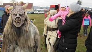 Krampusové děsili návštěvníky táborské burzy