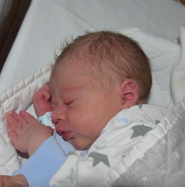 Matyáš Tureček z Ratajů. Narodil se 28. května dvanáct minut po patnácté hodině. Vážil 2860 gramů, měřil 49 cm a doma má sestřičku Anetku, které jsou dva roky a sedm měsíců.