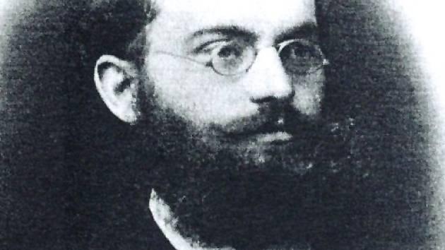 JAN KAREL HRAŠE. Významný ratajský rodák je kromě svého archeologického zaměření známý i jako zakladatel městského muzea v Náchodě.
