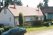 """Domek stojí na místě, kde dříve stávala """"hengstovna""""."""