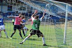 BRANKÁŘ Táborska Lukáš Novák kapituloval v utkání s Čížovou pětkrát. Kanonýr Čížové Martin Jirouš překonal táborského gólmana hned třikrát. Poprvé skóroval ve 20. minutě, čistý hattrick zkompletoval v 63. minutě.