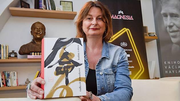 Radka Denemarková si v neděli převzala cenu Magnesia Litera 2019.