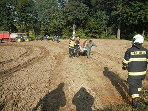 V Řemíčově na Táborsku se převrátil traktor