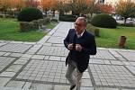 Do volebního okrsku v Bechyni patří i předseda TOP 09 Miroslav Kalousek.