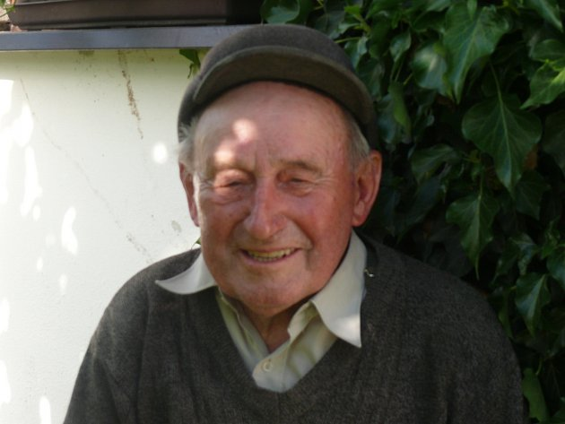 FRANTIŠEK MATOUŠ, bývalý žák školy vZálší. Docházel zKlečat.