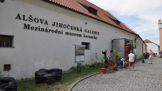 Rekonstrukce se dočká do dvou let Mezinárodní muzeum keramiky v Bechyni.