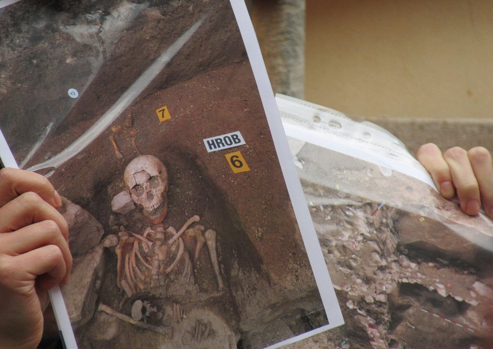Říjnoví Sobotníci spojili program se Dnem archeologie. O nálezech archeologů nejen v Táboře pohovořil archeolog Husitského muzea František Janda.
