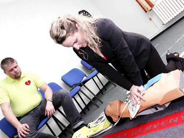 Zaměstnankyně hotelu Šárka Kolibíková si vyzkoušela záchranu na vlastní kůži.