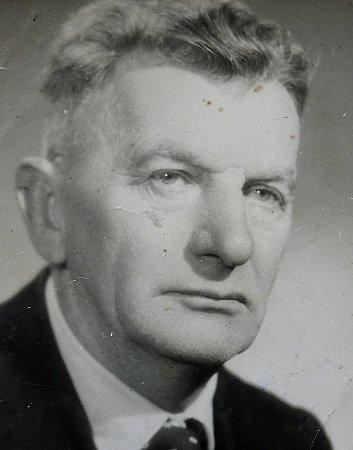 JAN COUFAL byl vyučený tesař. Narukoval vdevatenácti letech na začátku války a vrátil se vroce 1918.Měl tři dcery.