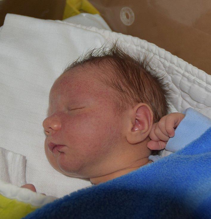 Matouš Vlášek ze Sezimova Ústí. Narodil se jako druhý syn v rodině 27. května v 18.51 hodin. Vážil 3660 gramů, měřil 51 cma bráškovi Kryštůfkovi jsou dva roky.