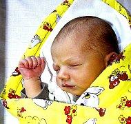 MATĚJ HRUŠKA Z VESELÍ NAD LUŽNICÍ.  Poprvé na svět pohlédl 6. března ve čtyři hodiny a dvě minuty. Po narození vážil 3270 g a měřil rovných 50 cm. Je prvním dítětem rodičů Kateřiny a Tomáše.