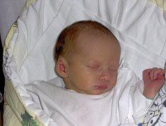 LUKÁŠ NOVOTNÝ Z KLENOVIC. Prvního syna se rodiče Pavla a Roman dočkali 3. května v 8.13 hodin. Malý Lukáš vážil 2800 g a měřil 48 cm.
