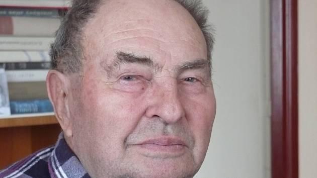 Šestaosmdesátiletý František Vaníček strávil celý život ve Hvožďanech a živil se zemědělstvím. Nyní si užívá svou početnou rodinu. Má dvě dcery a syna, šest vnoučat a deset pravnoučat.