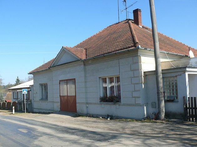 DNES budova školy slouží jako byty.