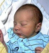 JAKUB PRÁŠEK Z NASAVRK. Narodil se jako bráška čtyřleté Karolínky 9. listopadu v 1.10 hodin. Jeho váha byla 3200 g a míra 51 cm.