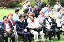 S premiérem se setkali lidé s postižením.