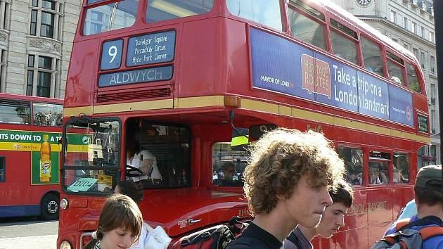 JAMBOREE. Letos se konalo  celosvětové skautské setkání již po jedenadvacáté. Akci  si ve Spojeném království nenechali ujít ani skauti z táborské skupiny Kalich.