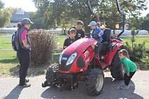 Na školním statku v Měšicích oslavili v sobotu Den zemědělců.