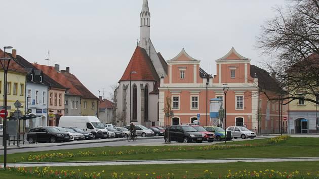Soběslavští jsou právem na své město pyšní. Za posledních deset let centrum doslova rozkvetlo a obnovy sklízí řadu ocenění.