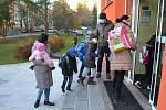 Školáci prvních a druhých tříd jsou zpět, dočkala se jich i ZŠ Zborovská v Táboře.