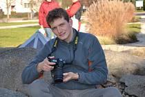 Mladý fotograf ze Sezimova Ústí si plní své cíle: měl svou autorskou výstavu a vydal knihu plnou záběrů z Tábora, Sezimova a Ústí a Plané nad Lužnicí. Všechna města mají v jeho životě svůj bod.