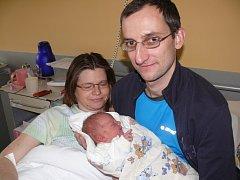 DAVID ŠIMEČEK ZE SEZIMOVA ÚSTÍ.  Narodil se rodičům Monice a Jaroslavovi  1. ledna ve 20.23 hodin.  Vážil  3280 g a  měřil 49 cm.