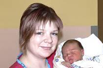 KATKA RADIKOVSKÁ Z TÁBORA. Poprvé na svět zakřičela 7. dubna čtyřicet osm minut po jedenácté hodině.  Po narození vážila 3910 g a doma už na ni čeká sestřička Anetka, které jsou dva roky.