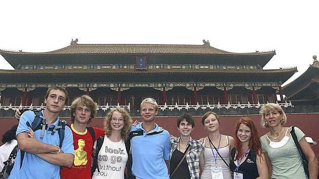 Sedm studentů táborského gymnázia navštívilo fórum v Pekingu.