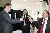 Sezimovoústecký Kovosvit představil ve středu technologickou novinku vyvinutou ve spolupráci s ČVUT. Obráběcí stroj nové generace zvládá obrábění i navařování kovu.