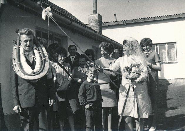 Svatba v Hartvíkově.