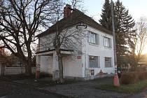 V domě č.p.606 bývala kovárna, dnes je prázdný.