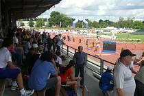 Fanoušci fandili atletům na stadionu Míru v Táboře
