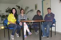PRACOVALI NA PROJEKTU. Téměř rok pracovala na projektu Nikola Dušková, Anežka Kotounová, Prokop Pithart a Petr Žůček (zleva).