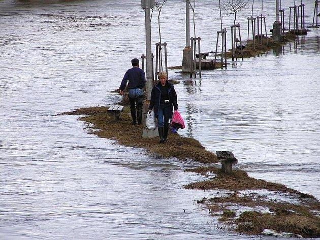 Povodeň v roce 2002 ve Veselí nad Lužnicí.