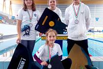 Zleva Klára Mazalová, Nikola Mazalová, Matěj Novotný, dole Lea Kovačová.