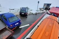 Páteční nehoda na křižovatce u Balkovy Lhoty pohledem hasičů.