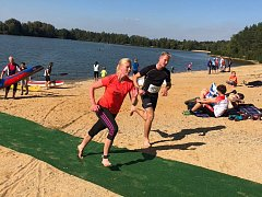 V pátek se ve veselských pískovnách konal tradiční EPPI vodácký triatlon. Akci na podporu lidí s epilepsií pořádal u příležitosti Národního dne epilepsie spolek EpiStop.