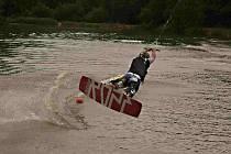 Wakeboarding v kempu Karvánky.