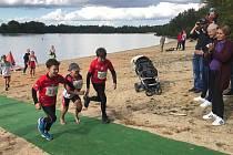 17. ročníku EEPI vodáckého triatlonu ve Vlkovské pískovně u Veselí nad Lužnicí se v sobotu 28. září zúčastnilo 105 závodníků.