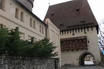 Návštěvníci spatří také Bechyňskou bránu.