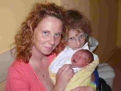 VOJTĚCH ČADIL Z PLANÉ NAD LUŽNICÍ. Narodil se 2. června ve 4.30 hodin a vážil 3600 g, měřil 52 cm. Doma už má dva sourozence.