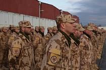 To pravé loučení s domovem teprve přijde, při čtvrtečním nástupu se ale s vojáky přijeli rozloučit velitelé. Do Afghánistánu první  rotace odjede již v těchto dnech.