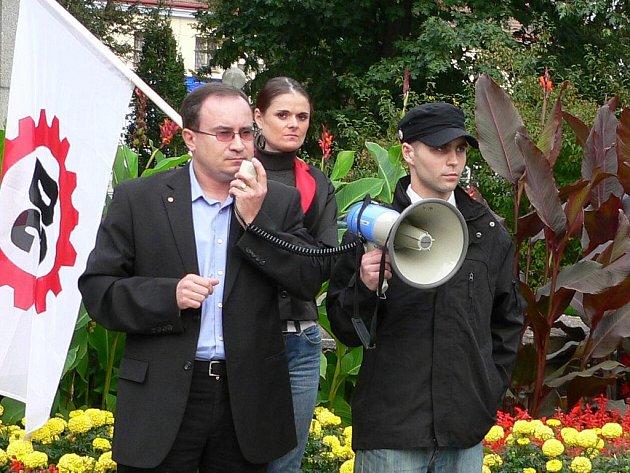 Lídr DSSS Tomáš Vandas nesouhlasí se spojováním s Dělnickou stranou.