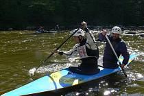 U Harrachovky se bojovalo O štít města Tábora ve slalomu na divoké vodě.