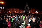 Česko zpívá koledy na táborském Žižkovo náměstí.