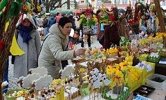 Velikonoční jarmark na Žižkově náměstí.